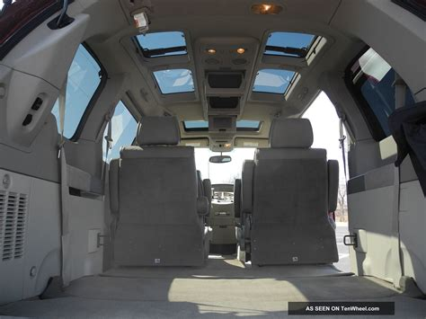 nissan quest se mini passenger van  door