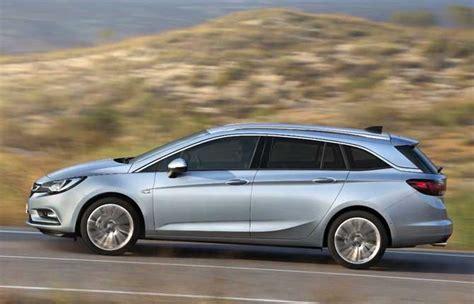 Opel Astra Sw by Opel Astra La Famiglia Si Allunga Debutta La Sw