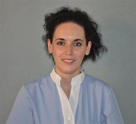 assistente alla poltrona bologna equipe medica dello studio dentistico a bologna