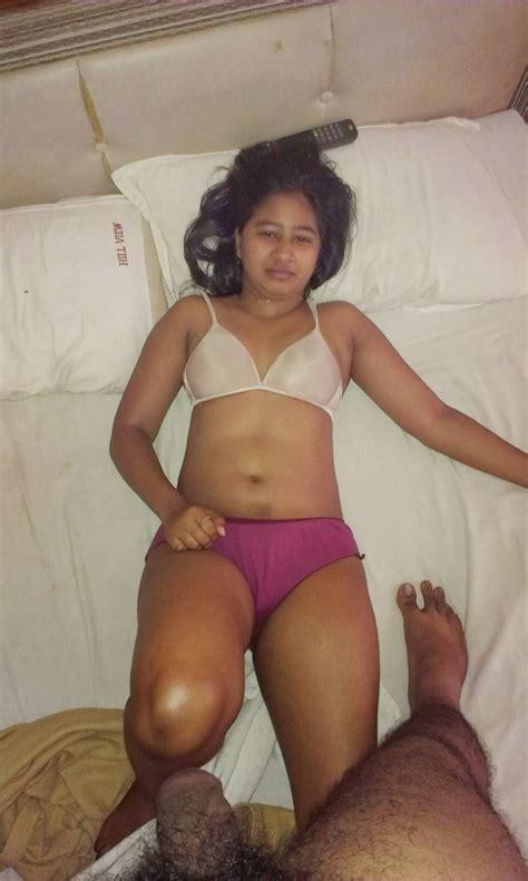 Real Indian Panty Porn Pics Gujarati Bhabhi Remove Saree