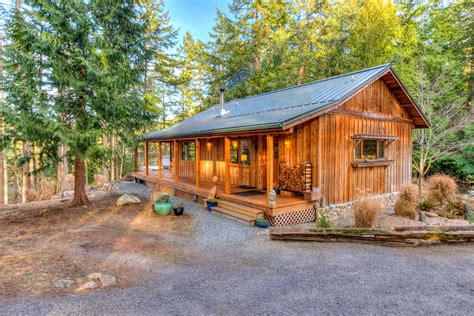 the kitchen orcas island an orcas cabin and yurt for the island lifestyle 6067