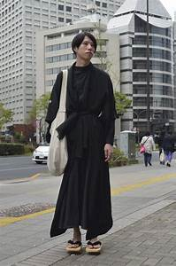 Digging the modern kimono robe in all black x wooden geta ...