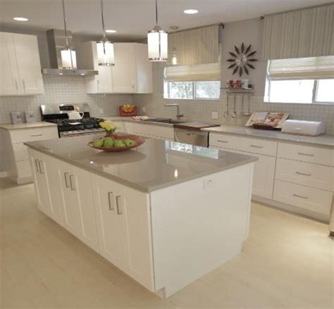 pendant light fixtures and the island countertops
