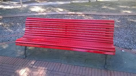panchina chiavari chiavari 8 marzo una panchina rossa contro i femminicidi