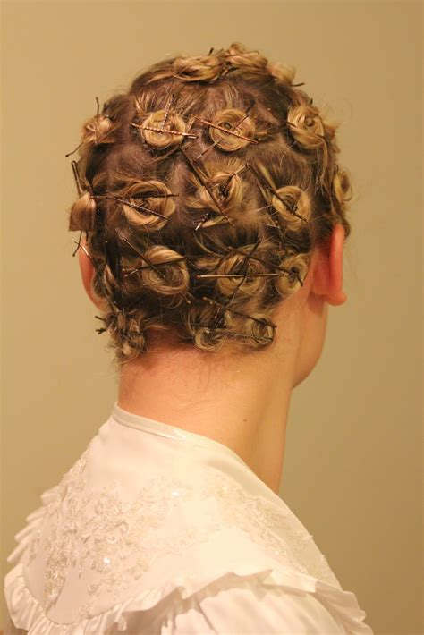 Pin Up Life: Hairstyle is a Lifestyle