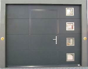 porte de garage avec portillon isolation idees With porte de garage motorisée avec portillon
