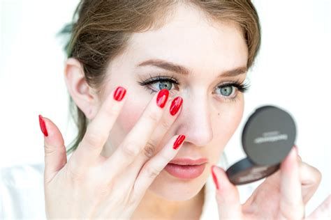 How To Apply Makeup When You Are Over 50   How To