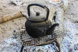 Wasserhahn Kochendes Wasser Preis : teekessel mit kochendem wasser stockfoto bild 3149650 ~ Frokenaadalensverden.com Haus und Dekorationen