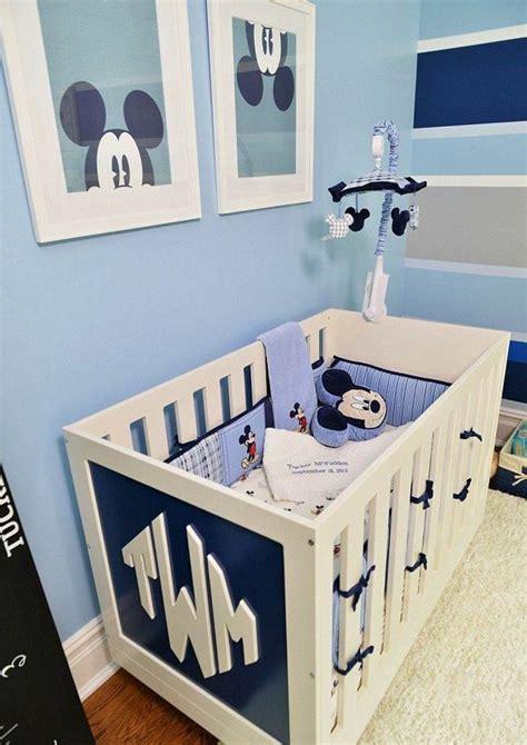 deco de chambre de bebe déco mur chambre bébé 50 idées charmantes