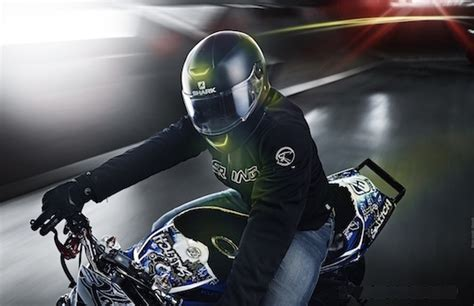 Led Motorcycle Helmet Attracts Attention