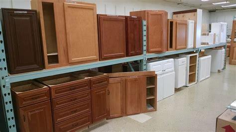 clearance cabinets pease warehouse  kitchen showroom