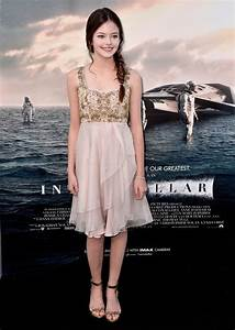 Mackenzie Foy Sparkles at Interstellar Debut – TheImproper.com