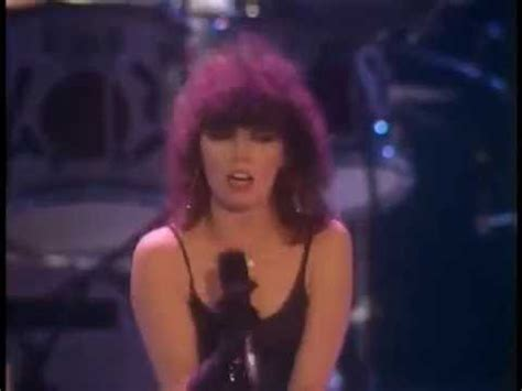 (1979) Pat Benatar - We Live For Love - YouTube