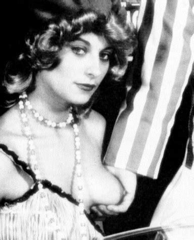 Celebrity Nude Century Kelly Preston Other Naked Scientologists