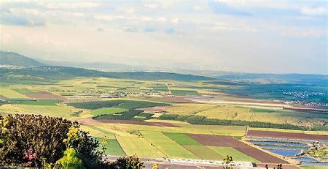 jezreel valley  breadbasket  israel worldatlascom