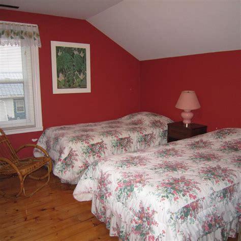 chambre lit jumeau la maison chez gérard chalets massif du sud