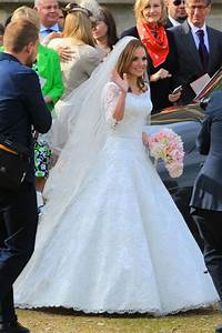 Kate Upton's Valentino Wedding Dress Is Jaw-Droppingly ...