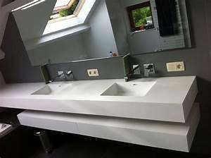 meuble de salle de bains en corian avec deux vasques With salle de bain design avec meuble salle de bain avec deux vasques
