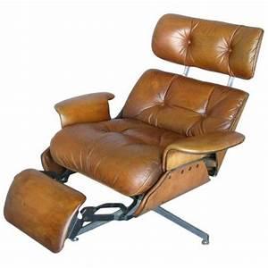 Fauteuil Gris Conforama : le meilleur fauteuil de relaxation comment le choisir ~ Teatrodelosmanantiales.com Idées de Décoration
