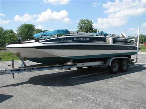 1998 Hurricane Deck Boat Value by 2001 Hurricane Sport By Sprint 215 S Price 9 995 00