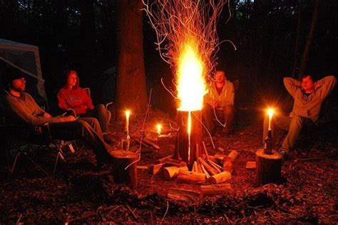 DIY log stove offers effortless campfire all night long