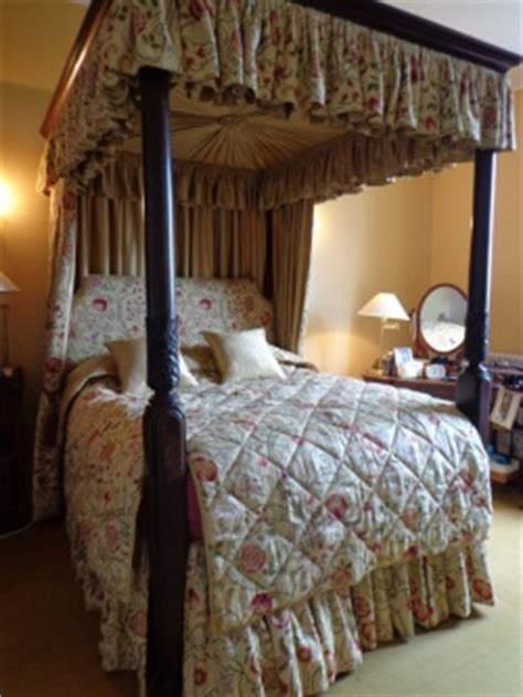 Four Poster Drapes - drapes for a four poster bed christine martin
