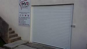 installation d39une porte de garage enroulable a toulon With porte de garage enroulable avec installer chatière porte pvc