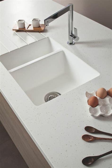 solid surface kitchen sink plan de travail r 233 sine pour une cuisine moderne 5604
