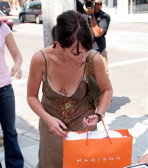 foto de Traje escotado (5) Jennifer Love Hewitt de compras con