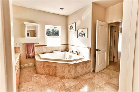 master bathroom paint ideas simple but clever ways on how to decorate a master bathroom