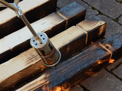 Holz Auf Alt Gemacht by Holz K 252 Nstlich Altern Lassen