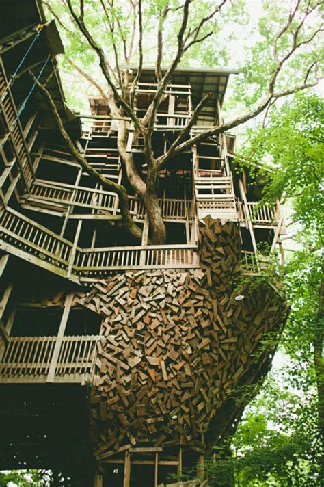 The Minister's Treehouse • Thecoolist  The Modern Design