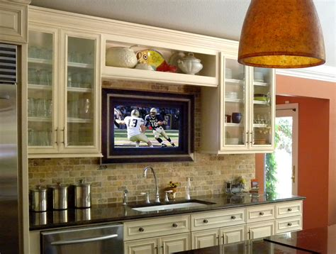Log Home Decorating Ideas for Kitchens