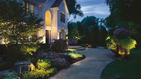 how to do landscape lighting in houston the right way