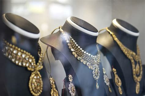 Gem, Jewelry Bring Glimmer Of Hope To India-pakistan Trade Estate Jewelry Online Auction Exchange Philadelphia Pa Emerald Rings Jcpenney Policy Los Angeles In Woodbridge Nj Ph Appraisal Free