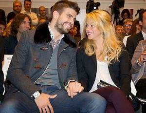Gerard Pique Girlfriend Shakira Picture World