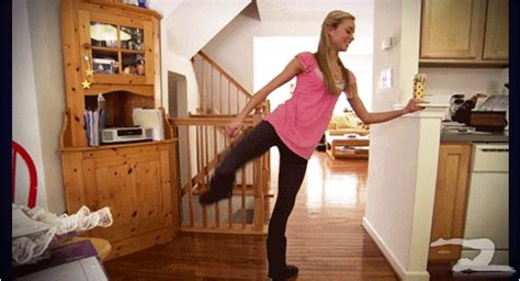 Animated Gifs Of Girls In Yoga Pants Barnorama
