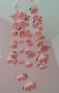 Mobile Baby Diy : felt rose baby mobile tiffercolabear ~ Buech-reservation.com Haus und Dekorationen