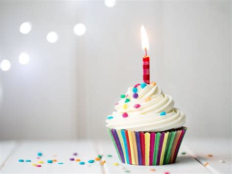 Birthday Cupcake Images Walmart To Give Free Cupcakes To Everyone Sunday