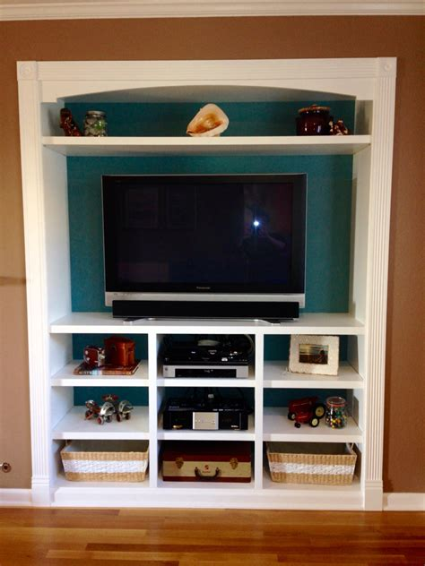 Bedroom Turned Tv Room by Closet Space Turned Into A Built In Entertainment Center