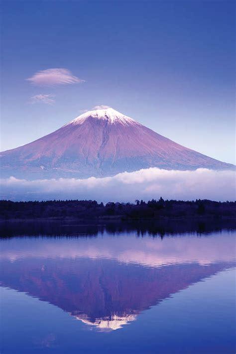 reflection  mount fuji lake motosu yamanashi rob