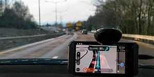 Tomtom Go Mobile : tomtom go mobile offers free miles and traffic info droid lessons ~ Medecine-chirurgie-esthetiques.com Avis de Voitures