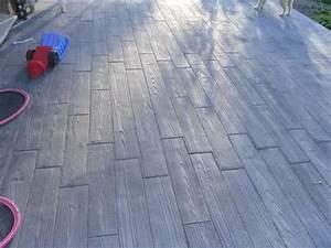 on peut tout faire avec du beton par exemple cette With terrasse beton avec motif
