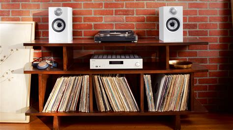 bookshelf speakers    compact stereo