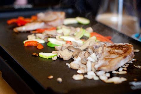 la cuisine a la plancha guide sur la plancha choix entretien modèle