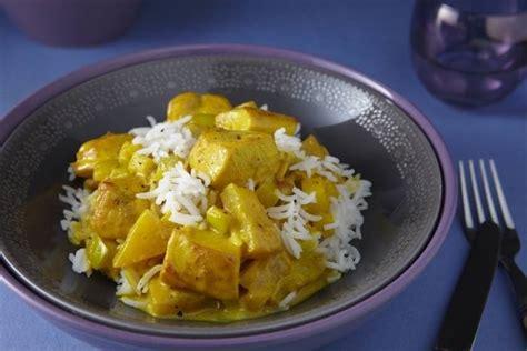 cours de cuisine atelier des chefs recette de filet de poulet au curry de fruits riz basmati