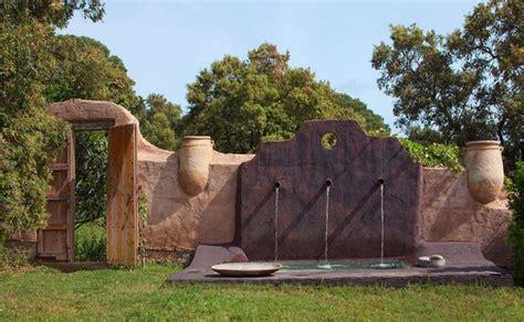 Gartenmauer Aus Beton atelier und haus am see in costa brava freshouse