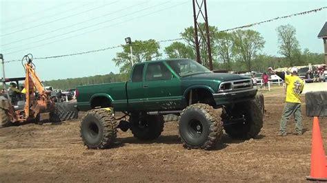 monster truck mud videos big green s10 monster mud truck at dammp youtube
