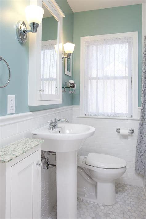 Small Bathroom Sink With Storage by 25 Best Ideas About Pedestal Sink Storage On