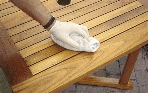 teak meubelen poetsen verweerde tuinstoelen schoonmaken msnoel